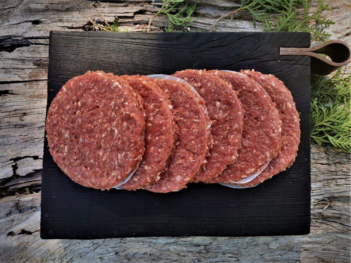 Nogatavinātas liellopu gaļas burgeru kotletes